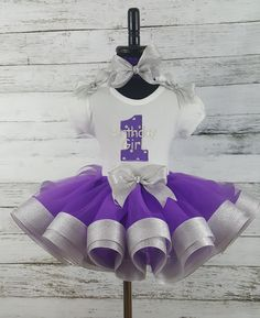 It is actually time of the year to get exciting and find personal sparkle baby tutu gown, we continues to be designed so irrespective of where you go, it's possible to show personal intensity! Ribbon Tutu, Fabric Tutu, First Birthday Outfits, Girl Birthday, Diy Tutu, Baby Couture, Tutus For Girls, Diy Clothing, Kids Outfits
