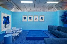 Nature Architecture, Architecture Design, Monochromatic Room, Monochrome Color, Monochrome Interior, Cj Hendry, Brooklyn House, Modular Walls, Blue Towels