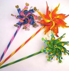 Ateliers créatifs : MOULINS A VENT - Papier / Carton - Posca http://www.regards-martigues.fr/fiche-marqueur-posca-pointe-fine-15mm.html