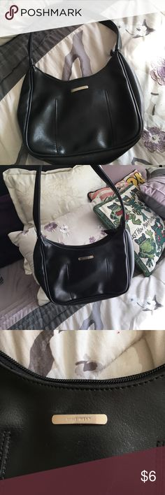 Nine West Black Leather Shoulder Purse Non smoking and pet free home. Light scuffing on the bottom as shown in picture Nine West Bags