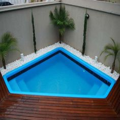 Pool-in-Space-Small-Designs - area externa - Small Swimming Pools, Small Backyard Pools, Small Pools, Swimming Pools Backyard, Swimming Pool Designs, Backyard Patio, Backyard Landscaping, Pool House Designs, Backyard Pool Designs