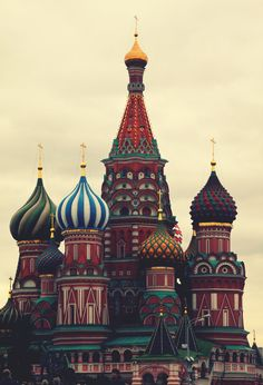 A lovely picture of Saint Basil's Cathedral, Moscow    (Source: italdred, via awillowywonder)