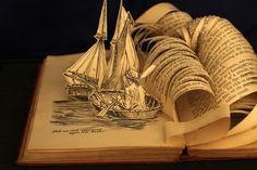 Η  ανάγνωση βιβλίων πρέπει να είναι ένα αναπόσπαστο κομμάτι της επιβίωσής…