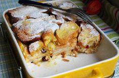 Žemlovka s jablky a tvarohem | NejRecept.cz Sweet Recipes, Cauliflower, French Toast, Sweet Treats, Pork, Sweets, Lunch, Menu, Chicken