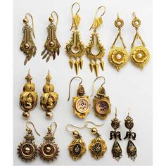 This is Etruscan jewelry, and it consisted of necklaces, earrings, brooches, and fibulae. It was mostly used by women and either from their town or imported. Victorian Gold, Victorian Jewelry, Antique Jewelry, Gold Jewelry, Jewelry Box, Jewelery, Jewelry Accessories, Vintage Jewelry, Jewelry Design