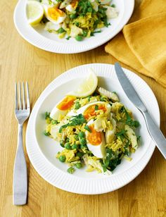 Easy smoked haddock kedgeree - I add bacon and oat cakes mmm Fish Recipes, Seafood Recipes, Dinner Recipes, Cooking Recipes, Healthy Recipes, Cooking Tips, Atkins Recipes, Healthy Food, Recipies