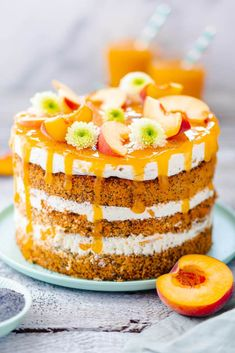 Fruity peach cake with poppy seeds My good luck - Here is a simple recipe for a. - Fruity peach cake with poppy seeds My good luck – Here is a simple recipe for a peach pie with a - Desserts For A Crowd, Fancy Desserts, Dessert Recipes, Cupcake Recipes, Pie Recipes, Dessert Simple, Pear Cake, Gateaux Cake, Mince Pies