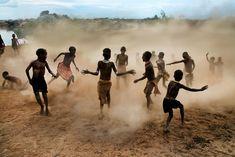 Omo Children Playing    ETHIOPIA-10152