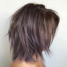 Brown Layered Bob With Purple Balayage Medium Hair Cuts, Short Hair Cuts, Medium Hair Styles, Curly Hair Styles, Razor Cut Hair, Short Wavy, Long Layered, Long Curly, Cute Medium Haircuts