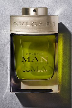 BVLGARI MAN WOOD ESSENCE, an Eau de Parfum epitomising the strong yet vulnerable ties between the City and Nature. A unique neo woody signature for a natural and sophisticated man.