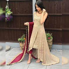 Verlobung - New Ideas Pakistani Wedding Outfits, Bridal Outfits, Pakistani Dresses, Indian Dresses, Eid Outfits, Wedding Dresses, Desi Clothes, Indian Clothes, Indian Designer Outfits