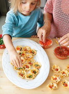 Bouchés Nachos :o) Yummy Snacks, Snack Recipes, Dessert Recipes, Cauliflower Cheese Bake, Oven Vegetables, Homemade Sauerkraut, Ricardo Recipe, Healthy Sauces, Vegetarian Recipes