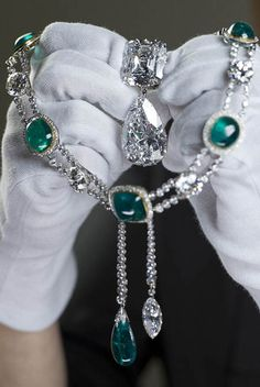 The Cullinan III and IV Brooch and the Cullinan VII Delhi Durbar Necklace