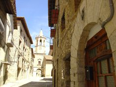 Calle Mayor de Cantavieja (Teruel)