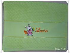 Toalha de lavabo personalizada tema coelhinha