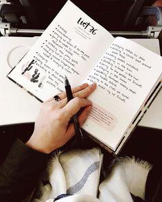 7 VRAGEN DIE JOUW LEVEN ZULLEN VERANDEREN... ● Wat wil jij bereiken en wat staat jou daarbij in de weg?  Beantwoord deze 7 vragen en je weet het!   Geef jezelf niet langer op je donder voor alles wat niet lukt, maar beloon jezelf voor wat je wel goed doet...  Lees meer >> http://hallosunny.blogspot.nl/2016/01/7-vragen.html