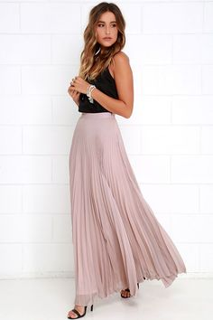 Take a twirl in the Axis of Rotation Mauve Pleated Maxi Skirt and watch as admirers start to orbit around you! Lightweight chiffon fabric has a pleated texture that begins below a high, banded waist. Maxi-length hem lends an elegant, sweeping silhouette.