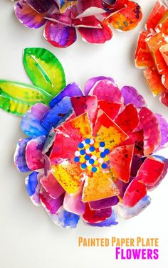 how to make beautiful hyper-colorful flowers from paper plates- great kids art project for all ages! The post Hyper Colorful Painted Paper Plate Flowers! appeared first on Paper Ideas. Craft Activities, Preschool Crafts, Fun Crafts, Paper Crafts, Kindergarten Crafts, Winter Activities, Flower Craft For Preschool, Diy Paper, Preschool Art Projects