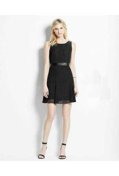 The LBD Collection by Kate Hudson Romantic Dress for Ann Taylor Pretty Dresses, Dresses For Work, Summer Dresses, Summer Fashions, Informal Attire, Perfect Little Black Dress, Petite Outfits, Designer Dresses, Kate Hudson