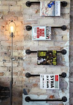Comptoir de commerce en bois par le marchand d 39 oublis for Porte revue salon de coiffure