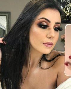 A imagem pode conter: 1 pessoa, selfie e close-up Glam Makeup, Love Makeup, Eyeshadow Makeup, Bridal Makeup, Wedding Makeup, Makeup Tips, Beauty Makeup, Hair Makeup, Hair Beauty