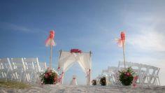 Sunny Florida skies for a perfect beach wedding