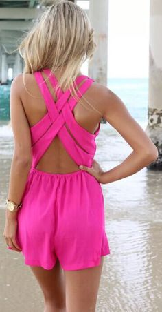 For the girls who just wanna have fun, you definitely should try this fuschia rompers with plunging neckline, crossover back, and triangle cutout at front waist. Shop the widest selection of trendy and high-fashion rompers in a variety of colors and prints at OASAP.com.