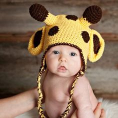 Make this cute crochet giraffe hat with easy to follow tutorial.
