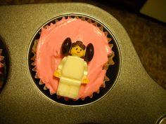 McMaven Haven: Lego Princess Leia Cupcakes!!!