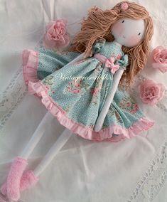 Find more information on fabric dolls Doll Crafts, Diy Doll, Fabric Toys, Fabric Crafts, Homemade Dolls, Doll Tutorial, Sewing Dolls, Handmade Toys, Handmade Rag Dolls