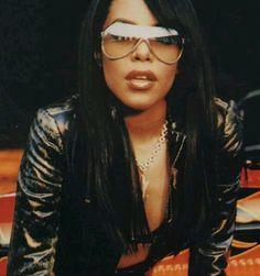 Aaliyah :) Love her style