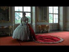 Zu Besuch bei Sisi auf Gödöllö - YouTube Barbie, Beautiful Dresses, Ball Gowns, Royalty, Queen, Mansions, Princess, Portrait, Chateaus