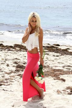 maxi skirt   Crop top   the blonde couture beach style fashion   sexy blonde walking down the beach   #thejewwlryhut