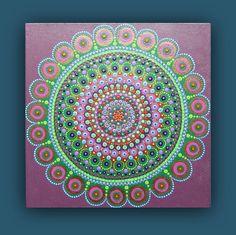 Peinture Mandala sur prêt à accrocher la toile vert violet Flower Painting Canvas, Dot Art Painting, Mandala Painting, Mandala Dots, Flower Mandala, Mini Paintings, Painted Rocks, Modern Art, Original Art