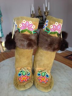 Northern Plains Indians mukluks moccasins boots hide fur glass beads Cree VTG Beaded Shoes, Beaded Moccasins, Beading Patterns, Flower Patterns, Native Boots, Jingle Dress Dancer, Native Wears, Nativity Crafts, Native Beadwork