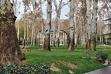 Niavaran Palace Complex in Tehran. Iran, Places To Visit, Asia, Mansions, House Styles, Plants, Palaces, Gardens, Manor Houses