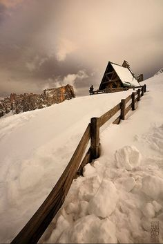 Peaceful mountain snow...