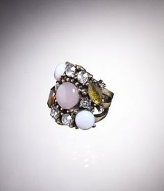 this is to die for !!! size 7 or 8 in rings. i like them in both sizes so they fit different fingers.