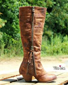 I WANT these boots!