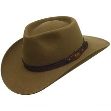 The Akubra Snowy River hat has a low 4 pinched crown 4552347bc05