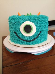 Monster - Monster baby shower cake