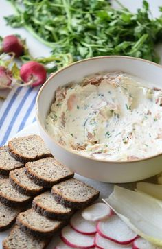 This Smoked Salmon Cream Cheese Spread is way beyond good. It's packed with fresh ingredients, delicious flavors, and is super easy to make. Salmon Recipes, Fish Recipes, Appetizer Recipes, Appetizers, Brunch Recipes, Seafood Recipes, Yummy Recipes, Healthy Recipes, Smoked Salmon Appetizer