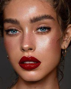 Makeup # – # & # @ _ moyap_ # (lip # # & # ♥ ️… - Lippen Make-Up Glossy Makeup, Eye Makeup, Makeup Brushes, Freckles Makeup, White Makeup, Runway Makeup, Makeup Lipstick, Makeup Inspo, Makeup Inspiration