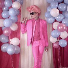 Jeffree Star- I love that music video :) Prom Night, Jeffree Star, Youtubers, Music Videos, Stars, Pink Things, Lesbian, Beautiful, Alternative