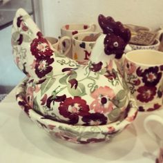 'Zinnias Large Hen on Nest' part of the Emma Bridgewater Decorative Homemade Pottery range in store now at Spires Art