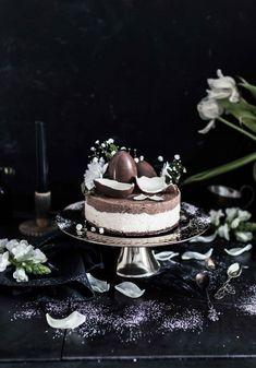 EASY KINDER CAKE – HELPPO KINDERKAKKU – Emma Ivane Easy Cake Recipes, Chocolate Cake, Panna Cotta, Cake Decorating, Sweet Treats, Goodies, Ethnic Recipes, Desserts, Food