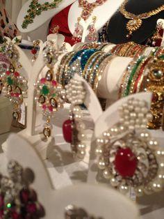 ID : SSJ 609 | SSJEWELERY Bangkok Visit: www.ssjewelbankok.com E-mail: mail@ssjewelbankok.com Twitter: www.twiitter.com/mailSSJEWELRY Facebook: https://www.facebook.com/May.Dilok?fref=ts