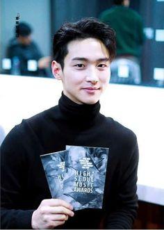 Handsome Korean Actors, Boy Pictures, Crime, Friendship, Idol, It Cast, Celebrities, Boys, Fictional Characters