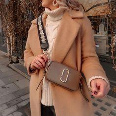 Marc Jacobs Crossbody Bag, Marc Jacobs Handbag, Casual Fall Outfits, Winter Outfits, Mark Jacobs Bag, Marc Jacobs Snapshot Bag, Milan, Slow Fashion, Fashion Outfits