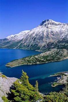Waterton Lakes National Park, Alberta, Canada by Cliff LeSergent Places Around The World, The Places Youll Go, Places To Visit, Around The Worlds, Beautiful World, Beautiful Places, Waterton Lakes National Park, Parque Natural, Les Continents